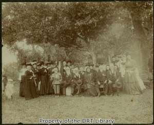 Daughters with members of the Texas Veterans Association in La Grange, April 21, 1905.