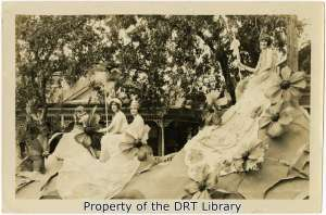 Dorothy McCampbell, Duchess of the Coreopsis, and Margaret Basse, attendant sprite, in the 1925 parade.