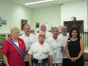 DRT President General Karen R. Thompson (left) and Alamo Committee Chairman Melinda Navarro (right) with visitors from the Alamo Bar.