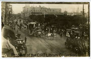Parade in Alamo Plaza, ca. 1900, possibly of Juneteenth celebration. General Image Collection, DRT Library Collection